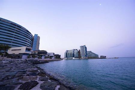 Жилые центры Al Raha Beach Plazas