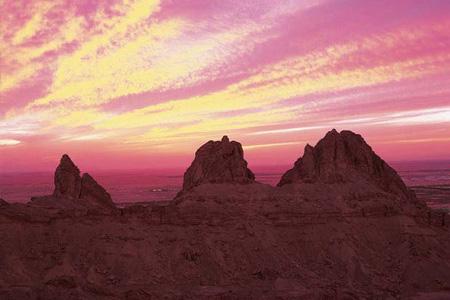 In auto sul monte Jebel Hafeet