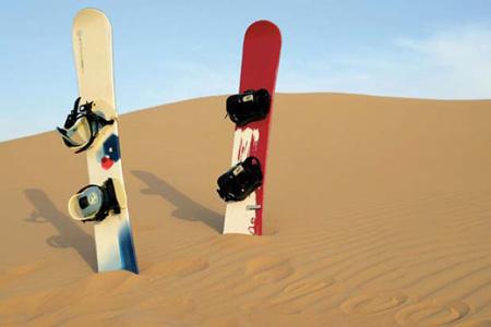 Сэндбординг и катание на лыжах по дюнам