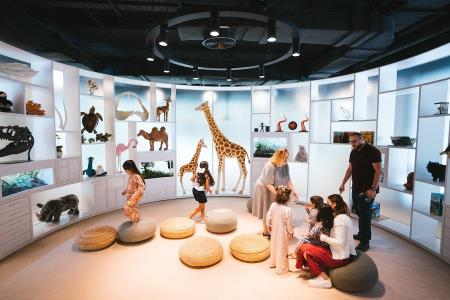 Kinderbibliothek: Abu Dhabi Children