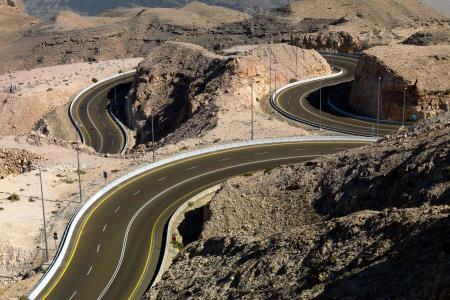 القيادة على جبل حفيت