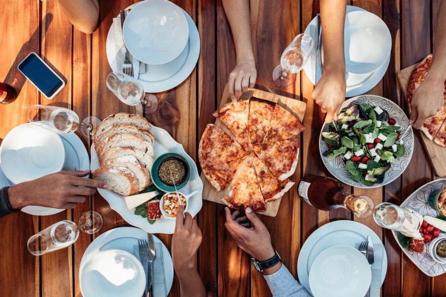 Pizza, Wings & Drinks Brunch